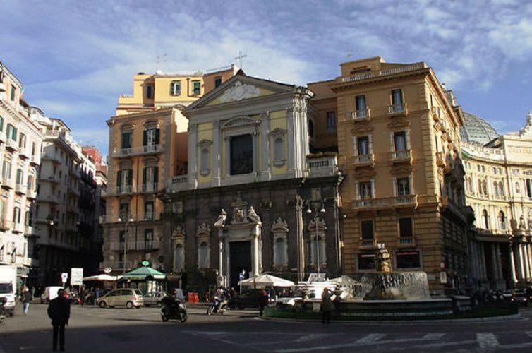 Piazza Trieste e Trento a Napoli