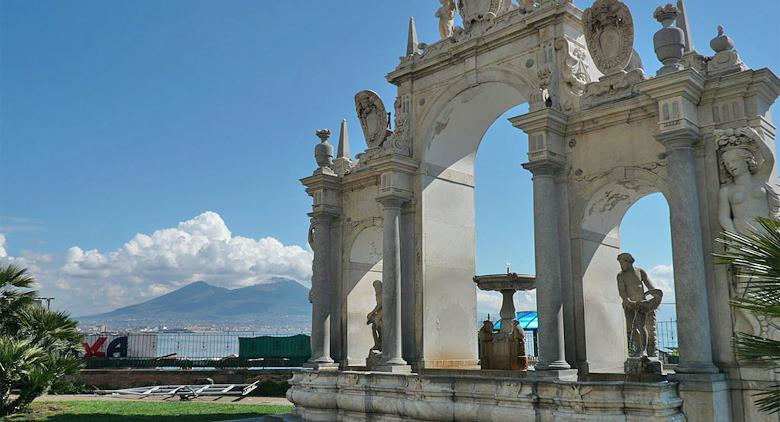 La fontana del Gigante e dell'Immacolatella a Napoli
