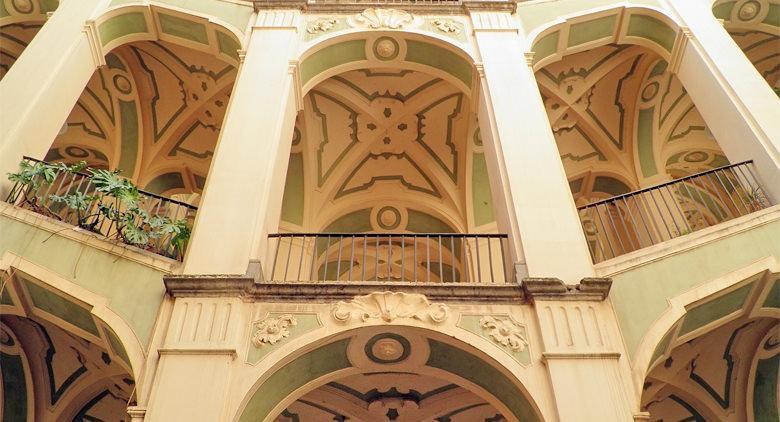 Interno del Palazzo dello Spagnolo a Napoli