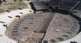 Anfiteatro-Flavio-a-Pozzuoli-Napoli