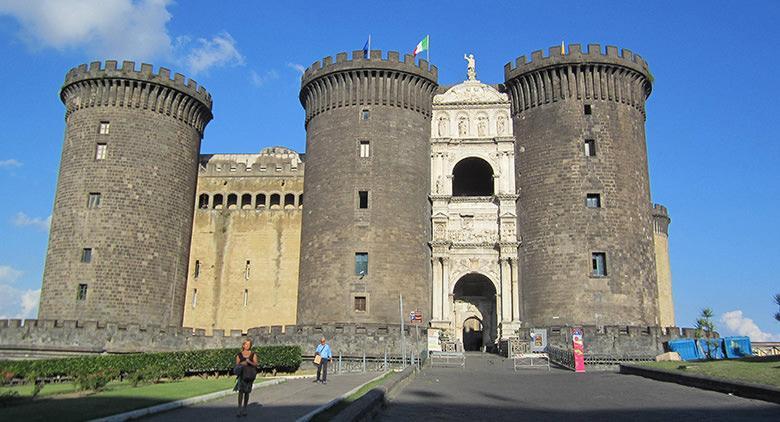 La rassegna Ridere 2015 al Maschio Angioino di Napoli