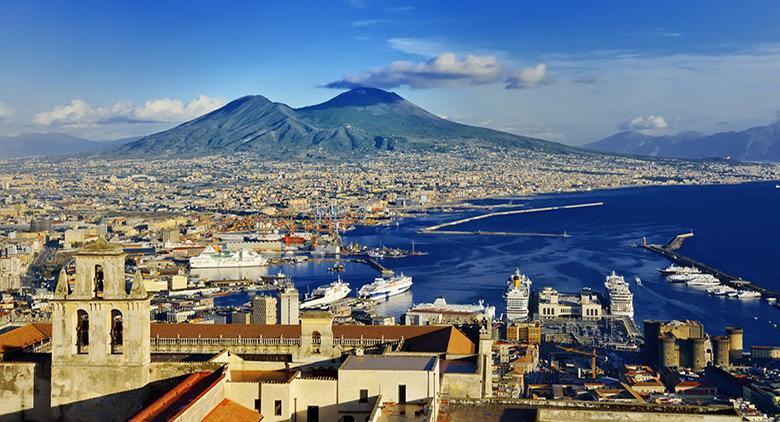 Studentessa danese elogia Napoli