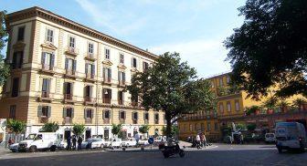 Piazza Amedeo a Napoli