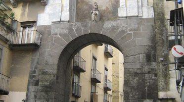 Porta San Gennaro a Napoli