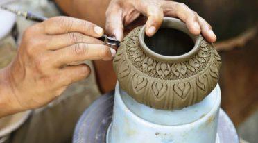 decorazione di un vaso artigianale