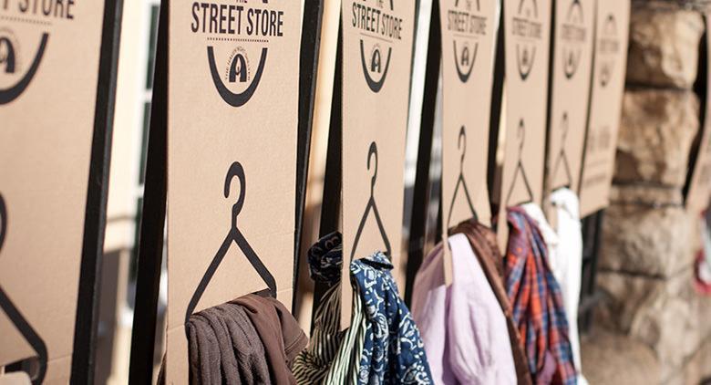 A Napoli apre il primo street store