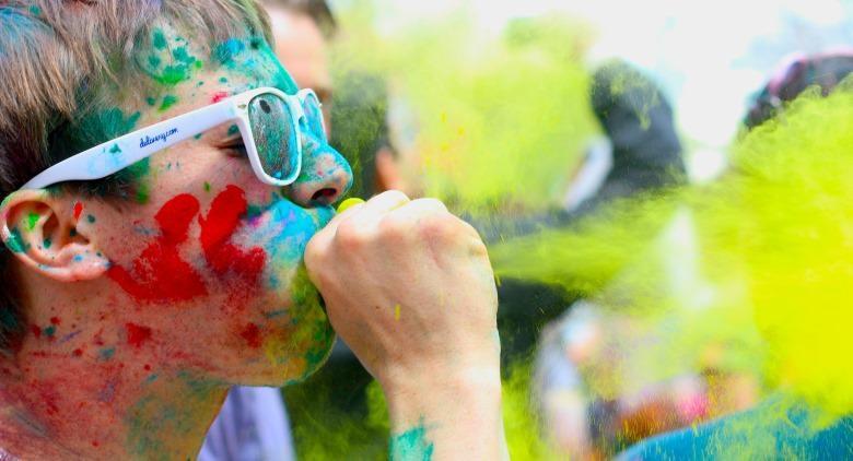 Holi Dance Festival 2015, festa dei colori all'Ippodromo di Agnano