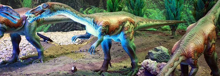 riproduzioni di dinosauri alla mostra The Days of the Dinosaur 2015 a Napoli