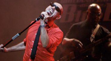 Giuliano Palma in concert at the Nabilah di Bacoli