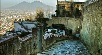La salita della Pedamentina a Napoli