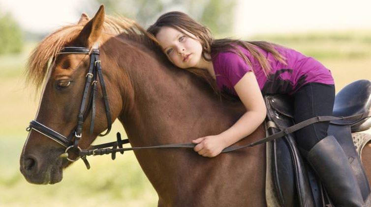 cavallo e bambina
