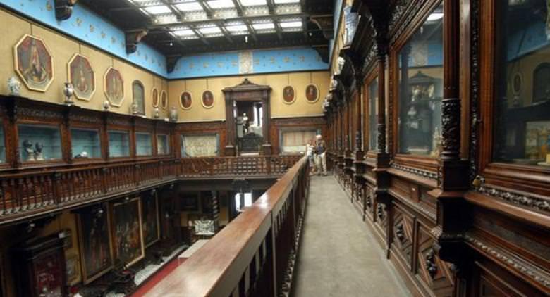 フィランギエリ博物館を保存する