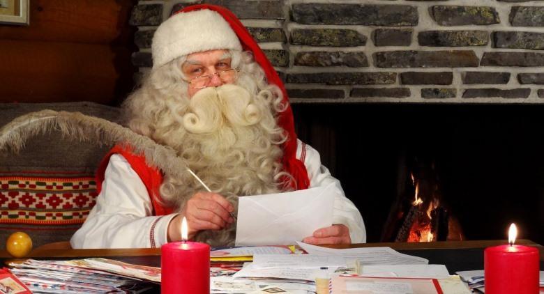 Villaggio di Babbo Natale ad Agnano, con tanti elfi, mercatini e leccornie natalizie