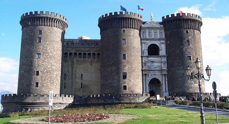 Visita guidata gratuita al Maschio Angioino di Napoli