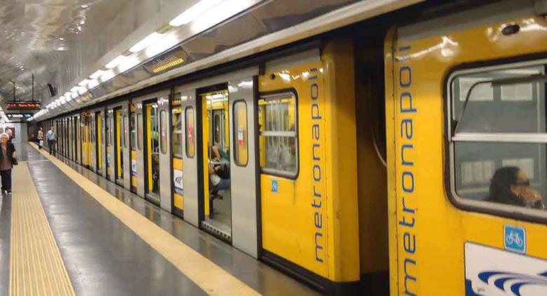 Chiusura anticipata Metro linea 1 Napoli