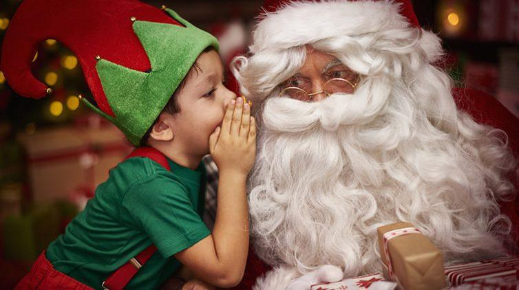 Babbo Natale arriva in Piazza dei Martiri a Napoli