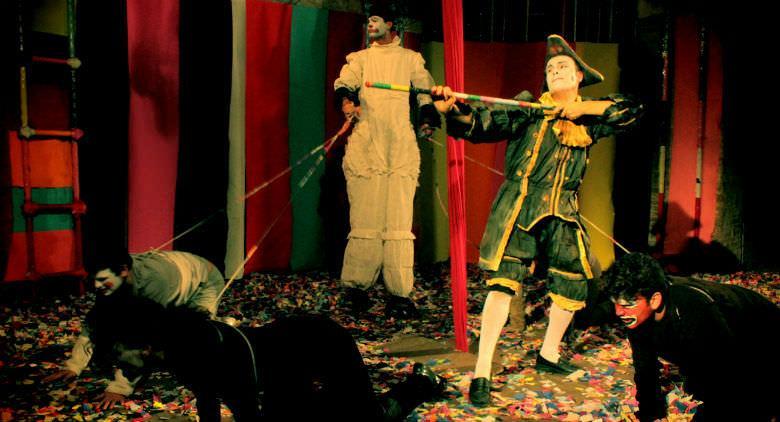 Razzullo e Sarchiapone sotto 'o tendone, al Teatro Instabile di Napoli