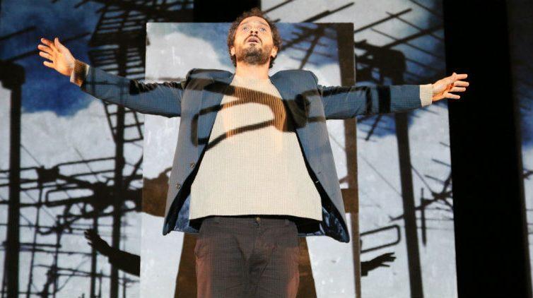 Claudio Santamaria in scena al Teatro Bellini di Napoli con Gospodin
