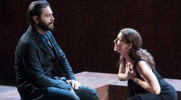 Scatto di Medea al Teatro Stabile di Napoli