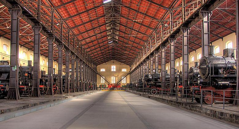Museo-Ferroviario-di-Pietrarsa-Napoli