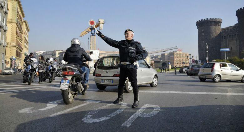 Revocato stop auto Napoli
