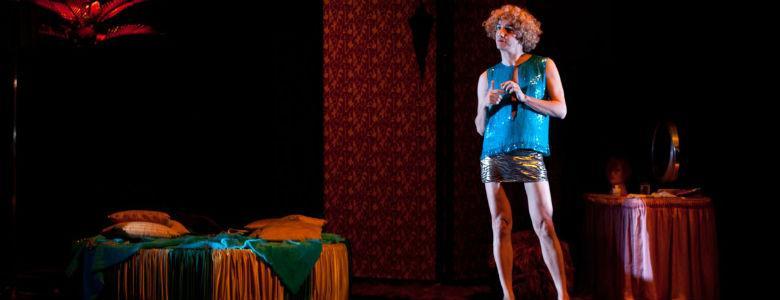 Scende giù per Toledo Teatro Nuovo Napoli