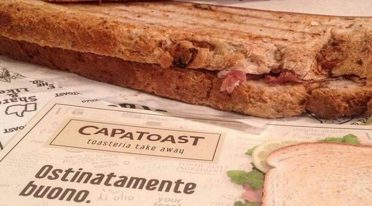 يفتح Capatoasta في Fuorigrotta في نابولي