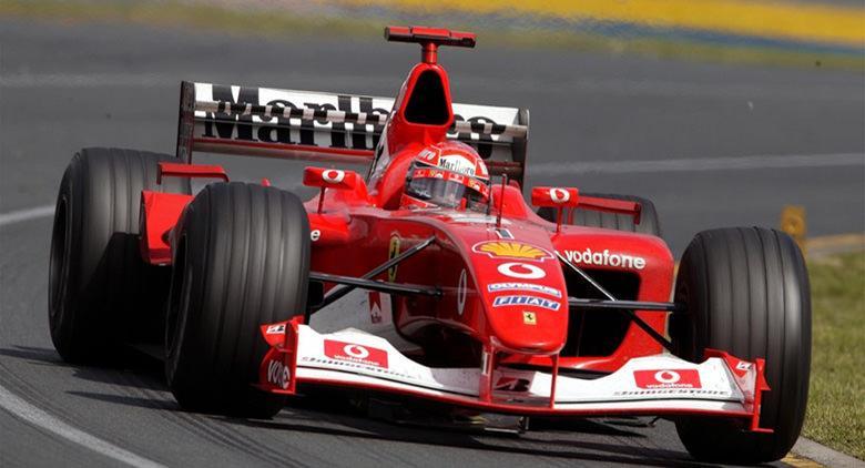 La Ferrari di Schumacher al Palazzo Caracciolo di Napoli
