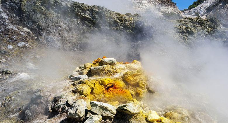 Visite guidate serali alla Solfatara con cucina geotermica