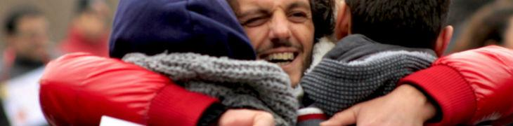 Abbracci gratis a Napoli 2018: abbracciarsi in segno di amore e uguaglianza