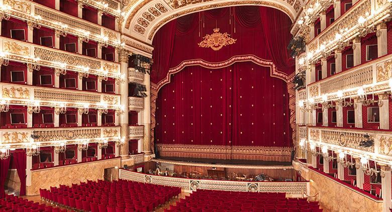 Festa della Donna 2016 al Teatro San Carlo