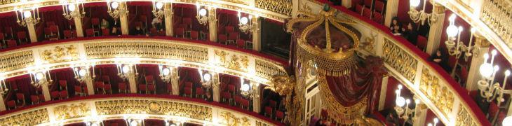 Interna del teatro san carlo di Napoli