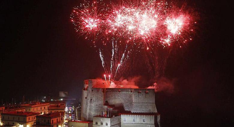 Fuochi d'artificio al Castel dell'Ovo 25 aprile 2016