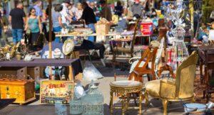 locandina di Portobello Road a Napoli: il mercatino dell'usato a Pianura con migliaia di articoli