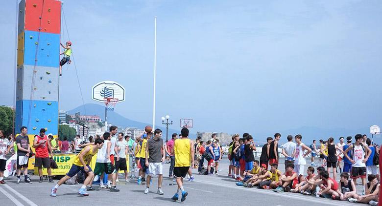 Summerbasket sul Lungomare di Napoli