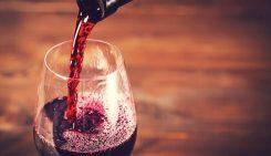 La Festa del vino a Castelvenere con degustazioni di vini e prodotti tipici in una calda atmosfera