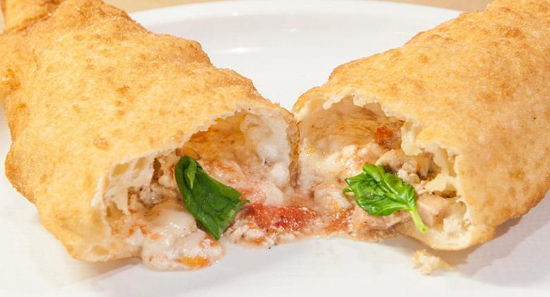 Pizze Fritte a Villa Medusa a Bagnoli