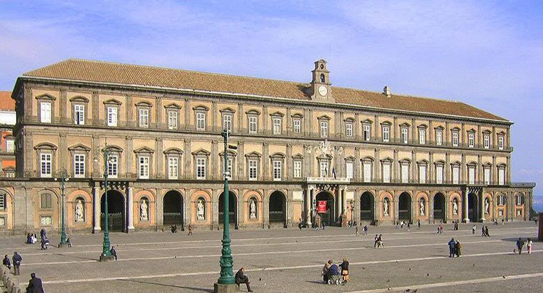 visite guidate al palazzo reale con musica classica