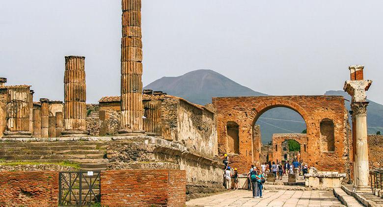Progettata una torre per ammirare gli Scavi di Pompei dall'alto