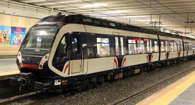 Fermi i treni della Circumvesuviana: guasto alla rete elettrica