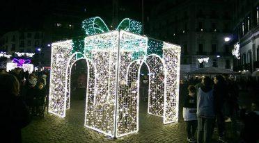 إضاءات في نابولي لعيد الميلاد 2016