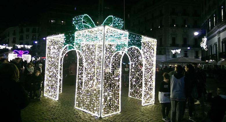 Luminarie a Napoli per Natale 2016