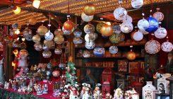 Il Villaggio di Natale in Piazza Municipio a Napoli con mercatini ed Elfi