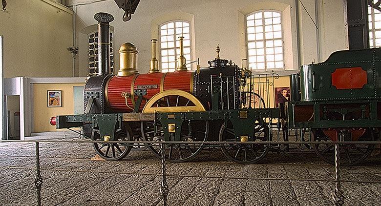 Visita guidata serale in costume al Museo Ferroviario di Pietrarsa
