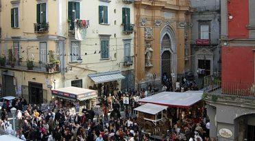 Dispositivo pedonale e di traffico nel Centro Antico di Napoli per Natale 2016