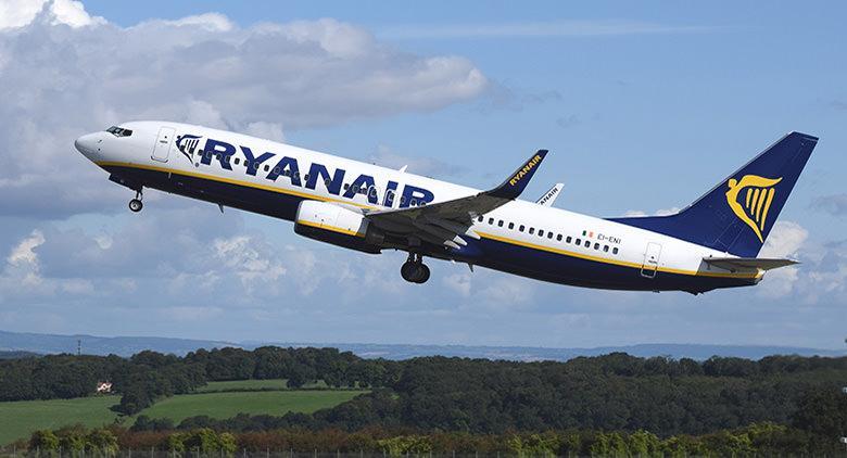 Ryanair arriva a Napoli all'aeroporto di Capodichino