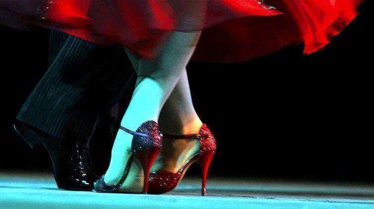 Viento, spettacolo di tango al teatro sannazaro