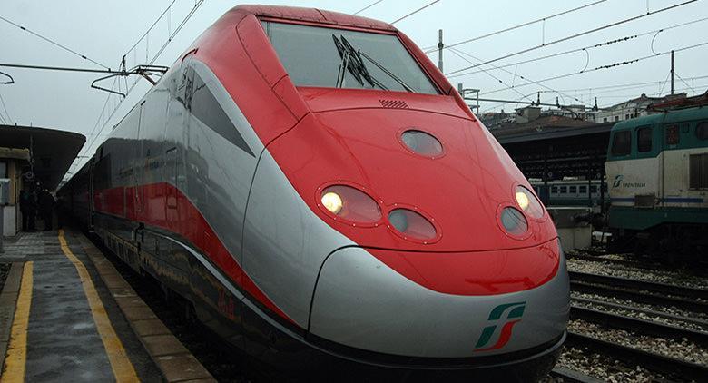Sciopero Trenitalia a Napoli l'11 novembre 2016 della durata di 8 ore