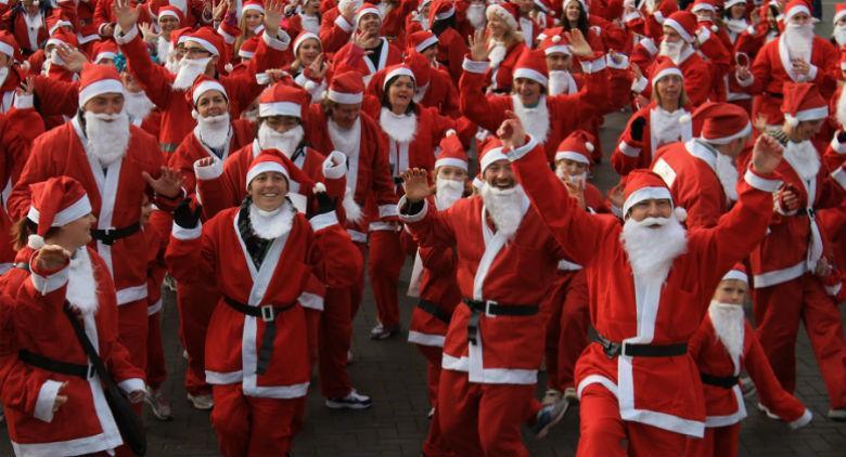 Babbo Natale porta i doni ai bambini: ecco come fare