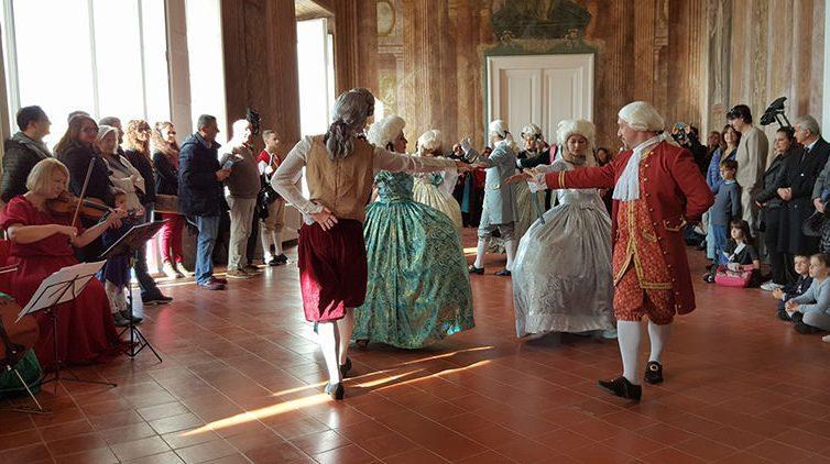 A Corte dai Borbone, spettacolo settecentesco in Villa Campolieto